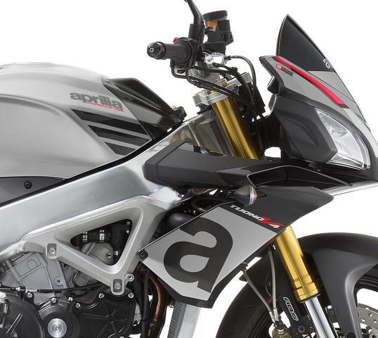 Aprilia Tuono V2 RR detalle de suspensiones y frenos